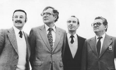 Ramon Casanovas, el primer per l'esquerra, amb els  candidats de CiU a les eleccions municipals de 1979 (Josep-Oriol Muntanya,  el veterà Pere Canal i en Josep Garrell). Foto: Pere Espaulella (AMGr)